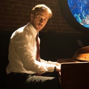 ryan-gosling-playing-piano-la-la-land